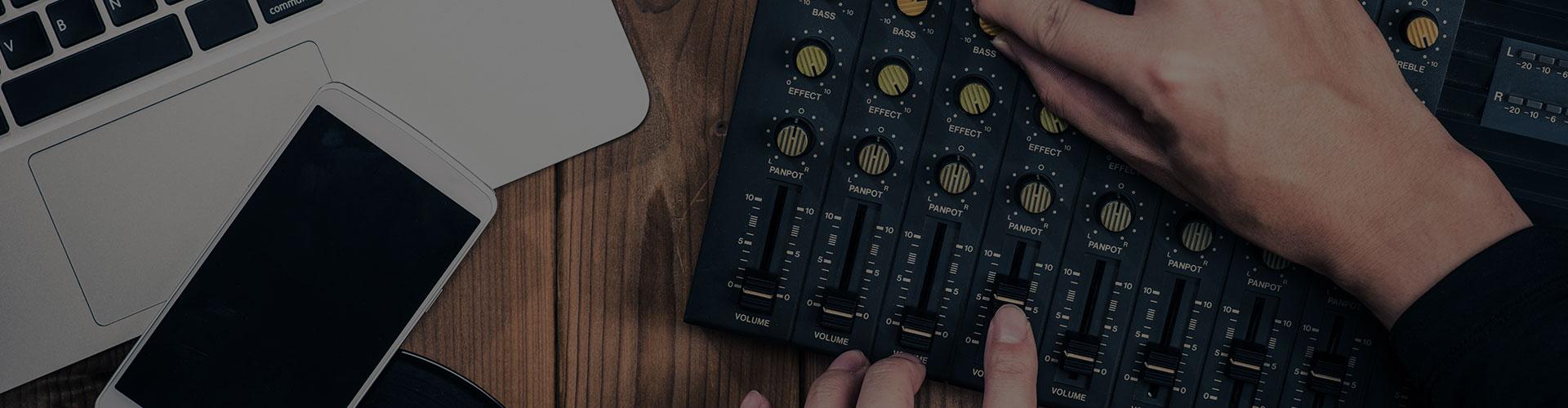 フリー音源素材(BGM、効果音、ジングル、楽曲)